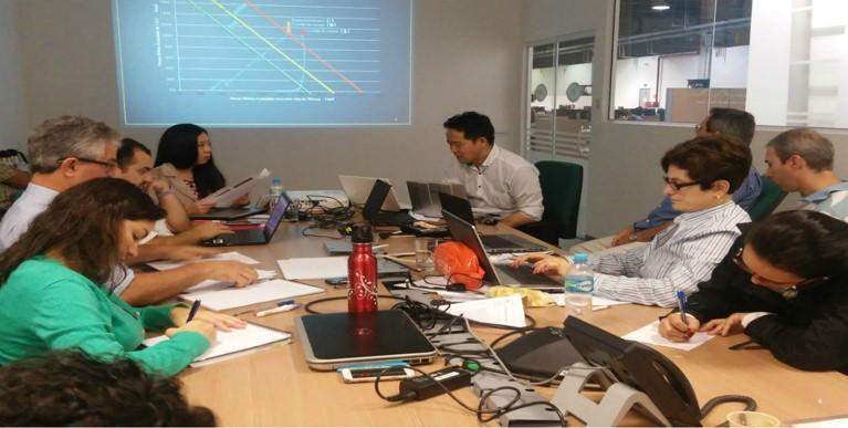 Especialista asiático ministrou conteúdo a profissionais do Cemaden. Crédito: Divulgação/Cemaden