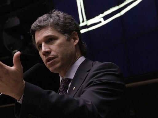 Paulo Teixeira rebate FHC e qualifica PSDB de partido de oposição ao Brasil