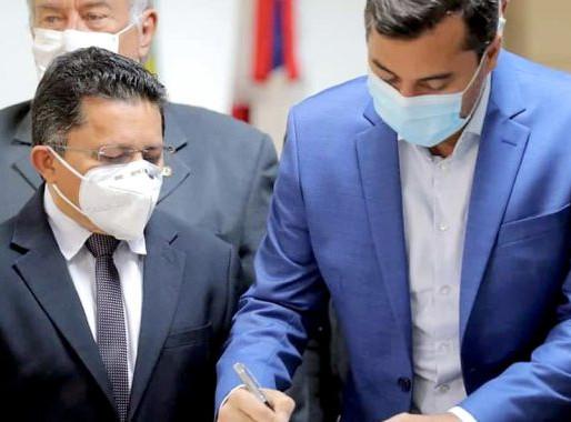 Sinésio Campos comemora sanção da Lei que abre o mercado de Gás Natural