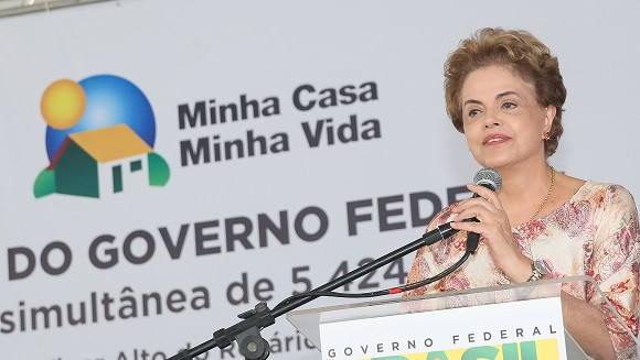 Feira de Santana - BA, 18/03/2016. Presidenta Dilma Rousseff durante cerimônia de entrega de unidades habitacionais em Feira de Santana/BA e entregas simultâneas em Teresina/PI, em Itabuna/BA, em Ananindeua/PA, em Itapeva/SP e em Susano/SP. Foto: Roberto Stuckert Filho/