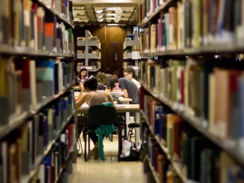 Em 2015, o ministério passou a exigir que os estudantes tenham uma nota mínima de 450 no Exame Nacional do Ensino Médio (Enem) - Divulgação/EBC