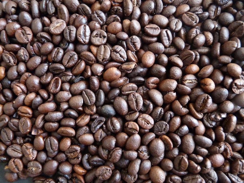 As vendas externas totais do produto – somando café verde e industrializado – chegaram a 2,7 milhões de sacas no mês passado, com recuo de 7,6% ante um ano antes (2,98 milhões de sacas)