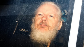 Justiça britânica nega extradição de Assange para os EUA
