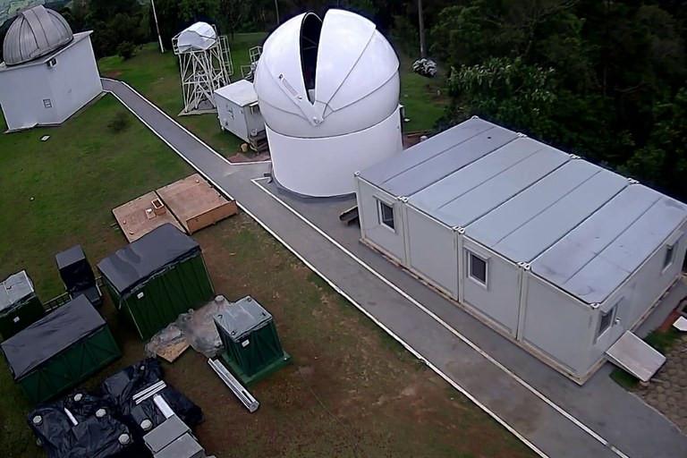 A instalação do telescópio faz parte de projeto da Agência Espacial Russa (Roscosmos) Divulgação/LNA