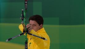 Atletas olímpicos e paralímpicos brasileiros podem receber até R$ 3,1 mil por meio do programa  Marcello casal/Agência Brasil