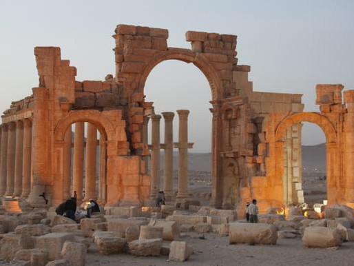 Exército sírio afirma ter recapturado a histórica cidade de Palmira