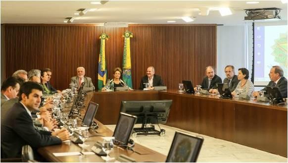 Presidenta Dilma se reuniu cno Palácio do Planalto com ministros de todos os partidos que compõem o governo Foto: Roberto Stuckert Filho/PR