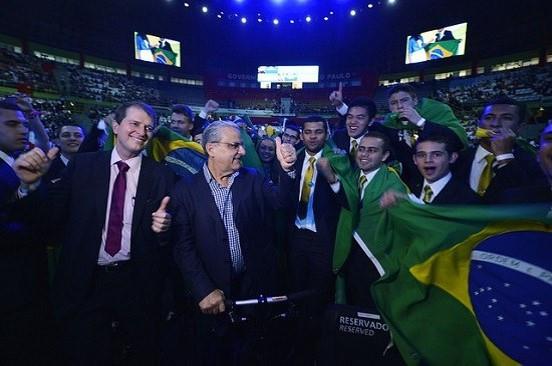 Equipe brasileira comemorou a conquista história da educação profissional e tecnológica do País José Paulo Lacerda