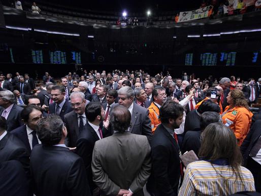 Câmara aprova fim da participação obrigatória da Petrobras no pré-sal