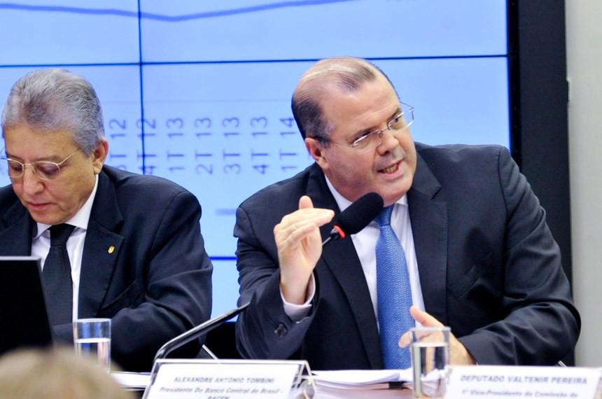 """Tombini disse que a economia brasileira passa por uma serie de ajustes """"importantes e necessários"""""""