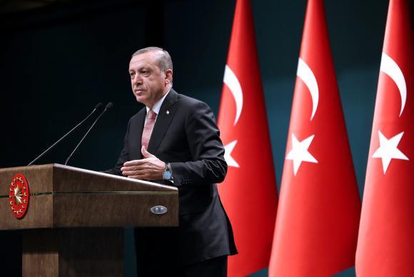 O presidente da Turquia, Tayyp Recep Erdogan, anuncia estado de emergência no paísPresidência da Turquia