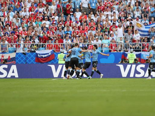 Uruguai vence a Rússia por 3 a 0 e fica em primeiro no grupo A
