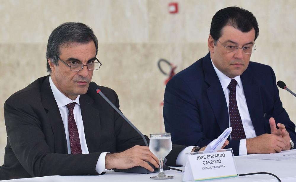 Os ministros da Justiça, José Eduardo Cardozo, e de Minas e Energia, Eduardo Braga, dizem que o governo está aberto ao diálogoAntonio Cruz/Agência Brasil