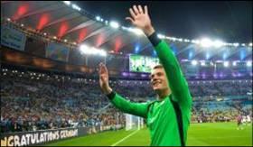 Goleiro campeão do mundo, o alemão Manuel Neuer, recebeu o Troféu Luva de OuroMarcello Casal Jr/Agência Brasil