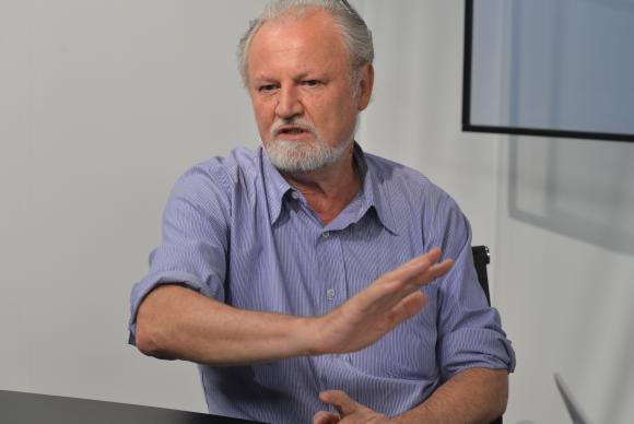 O líder do MST, João Pedro Stédile, fala sobre a mobilização em defesa da Petrobras, em entrevista ao programa Espaço Público, da TV Brasil   (Valter Campanato/Agência Brasil)Valter Campanato/Agência Brasil