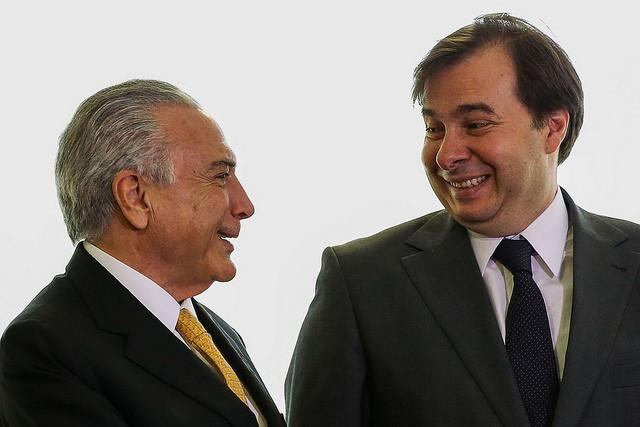 Michel Temer (PMDB) e Rodrigo Maia (DEM) foram favoráveis à aprovação do projeto de lei / Marcelo Camargo/Agência Brasil