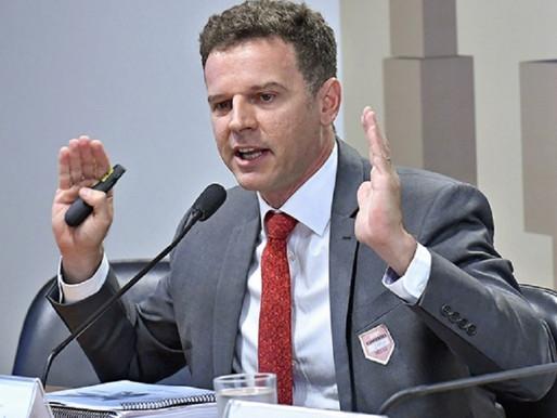 """Eduardo Moreira critica medidas de Bolsonaro: """"insensibilidade com os mais pobres"""""""