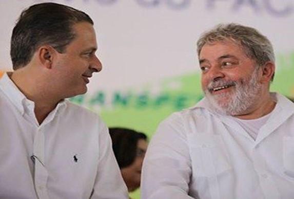 No dia em que completa um ano da morte do ex-governador de Pernambuco, Lula relembra sua relação com Campos, a afinidade entre os dois e agradece o tempo em que conviveram juntos.
