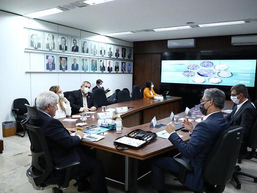 Ministro recebe presidente da CBMM, companhia brasileira líder mundial no setor de nióbio