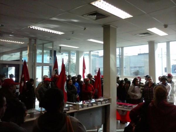 Ocupação da Caixa em Itapeva (SP)