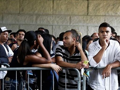 Bolsonaro autoriza suspensão de trabalho e salário por quatro meses