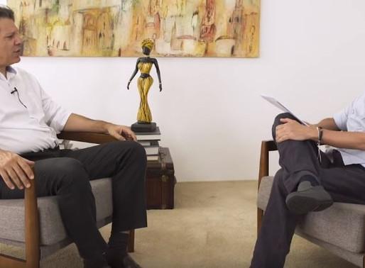 """""""Bolsonaro aparelha instituições para proteger seu clã"""", aponta Haddad"""