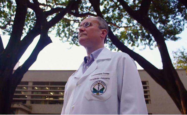 Professor Humberto Corrêa é um dos principais estudiosos do suicídio no Brasil - reprodução/ TV Brasil