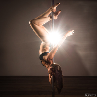 Shooting Pole dance