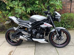 Triumph Street Triple RS 765