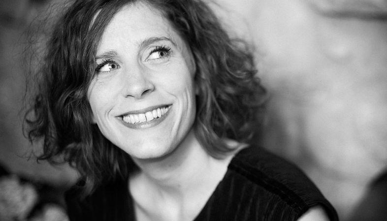 Maryline Rollet - Chanteuse de jazz, chanson française, bossa nova. Pour tous événements. Portait