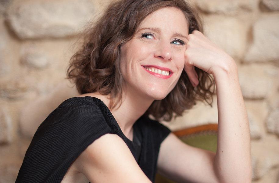 Maryline Rollet - Chanteuse de jazz, chanson française, bossa nova. Pour tous événements. Portrait.