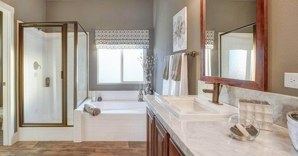 Creekside Manor Master Bath-1