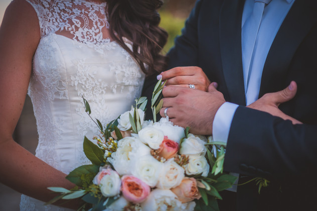 Rancho Roble Wedding Picture with Flowers