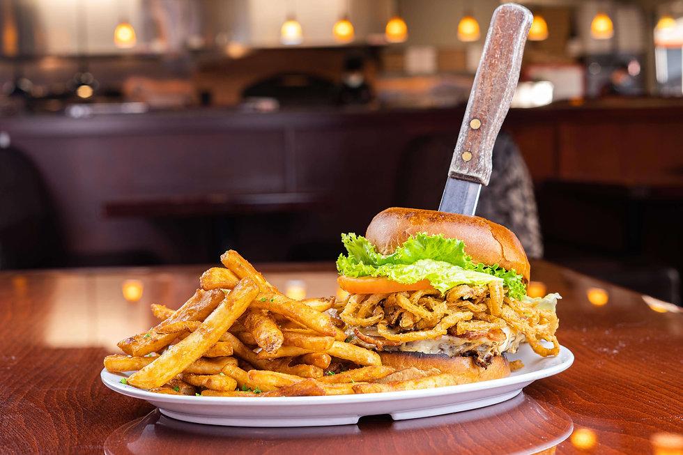 Pete's Natomas Deluxe Burger