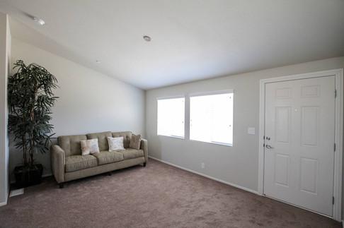 Summit-SM-04-living-room1.jpg