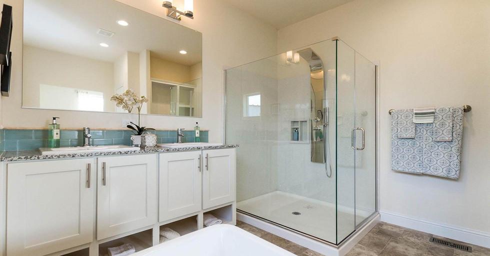 Creekside Manor Master Bathroom-1