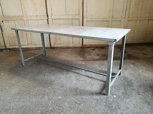 Table métal, militaire