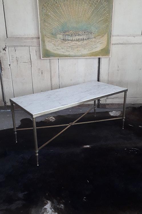 Table en marbre et métal doré