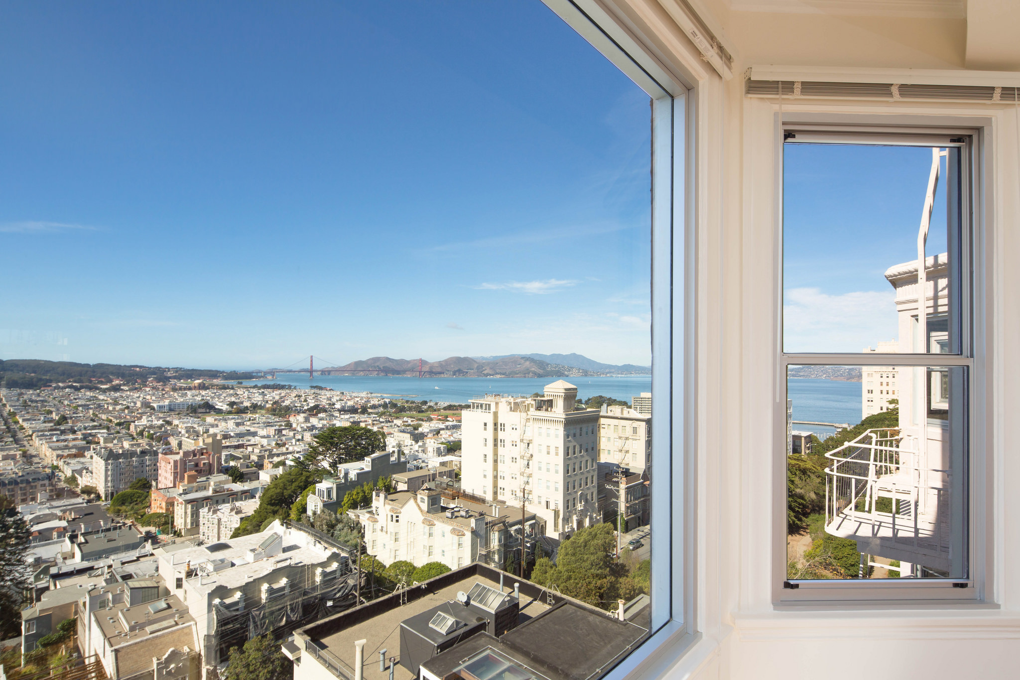 Russian Hill view west