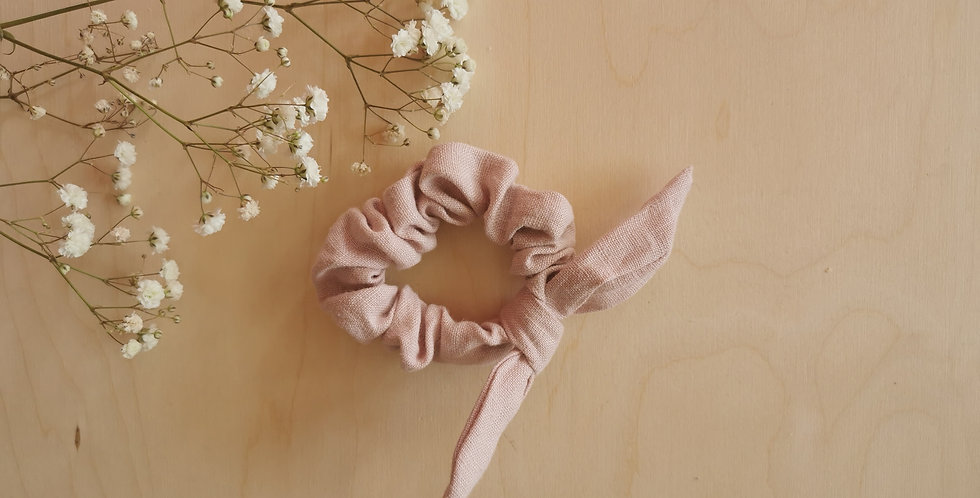 Small linen scrunchie with bow in Faded Pink