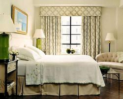 Льняные шторы для спальни.