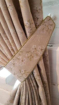 подхват для штор из ткани