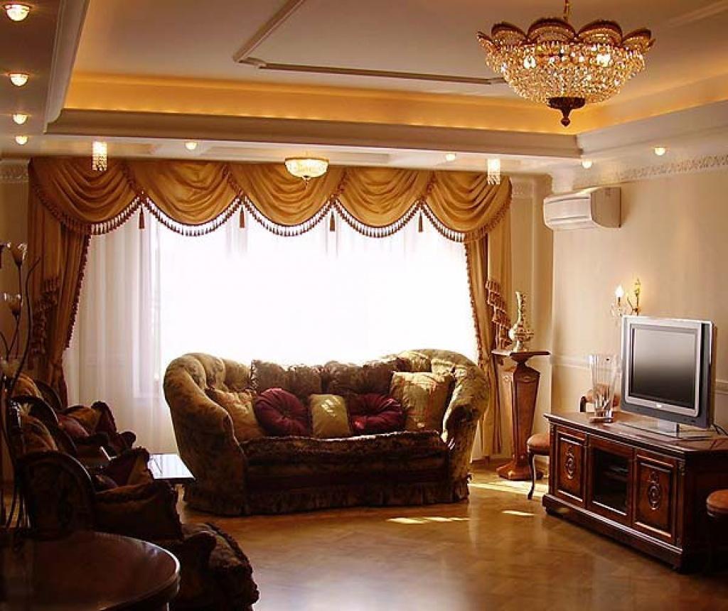 Шторы в стиле ренесанс для гостиной.