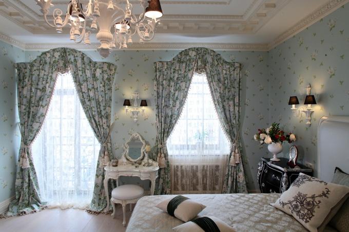 шторы для загородного дома в спальню.