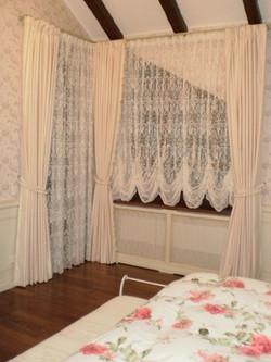 Австрийские шторы для спальни.