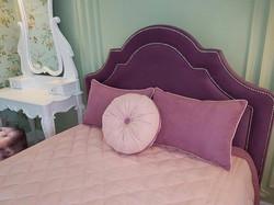 подушки декоративные с покрывалом