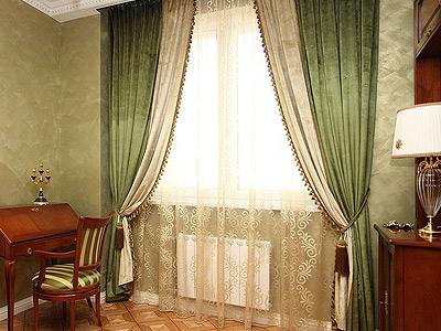 Классические шторы для кабинета.