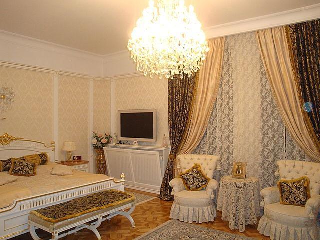 Декоративные шторы для спальни.