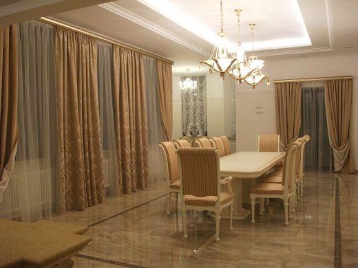 шторы для загородного дома в гостиную.