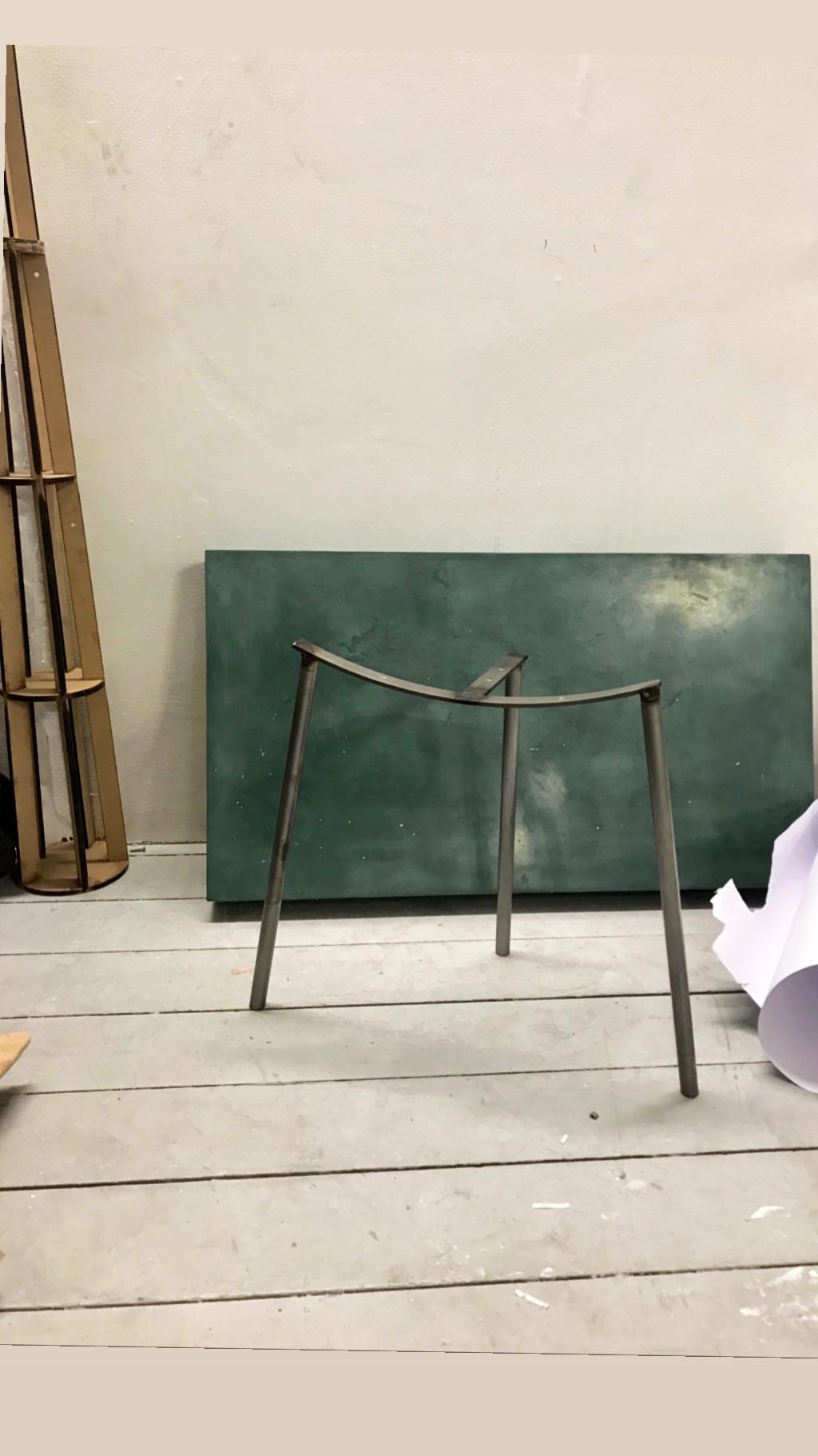 duck chair metal legs